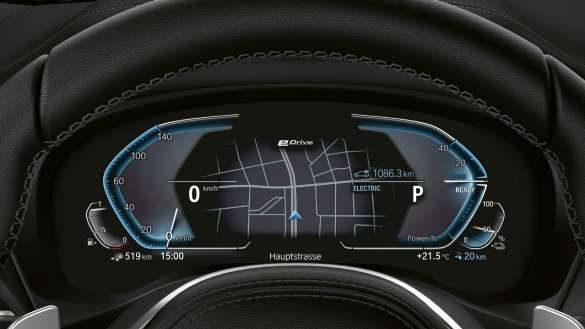 BMW X3 xDrive30e Hybrid-spezifische Instrumentenkombination