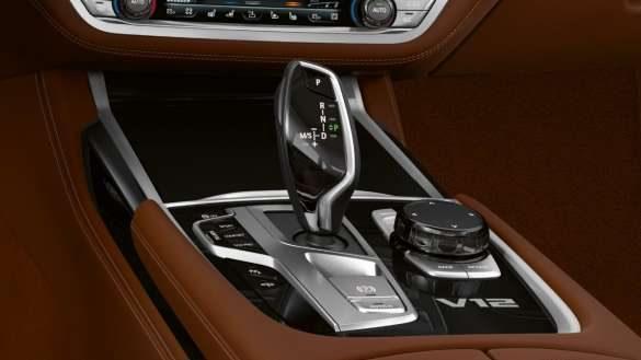 BMW M760Li xDrive 8-Gang Steptronic